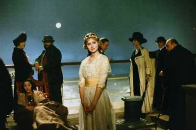 "Fotograma de la película ""E la nave va"" de Federico Fellini, 1983."